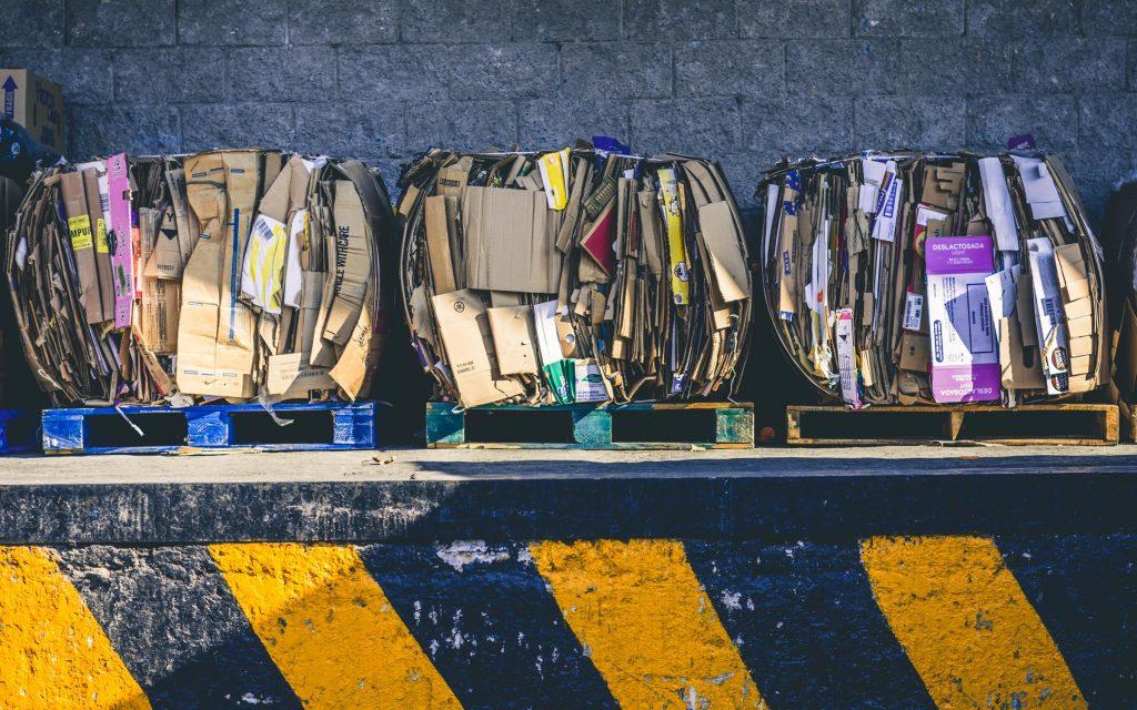 BDO, czyli potocznie Baza Danych Odpadowych, Baza Danych o Odpadach lub Rejestr-BDO